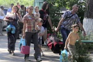 Кабмин устроит тотальные проверки переселенцев из Донбасса. Будут лишать соцвыплат