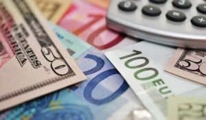 Новые правила обмена валют выгодные только банкирам