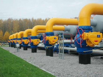 Украина понемногу начала получать газ через Венгрию