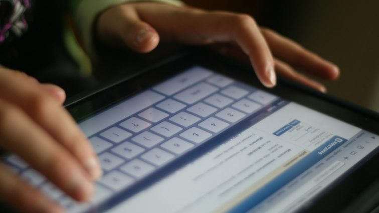 В России усилят контроль за перепиской и будут наказывать за репосты в соцсетях