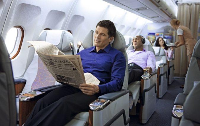 Почему лучше сесть в самолет последним: полезные советы от стюардесс