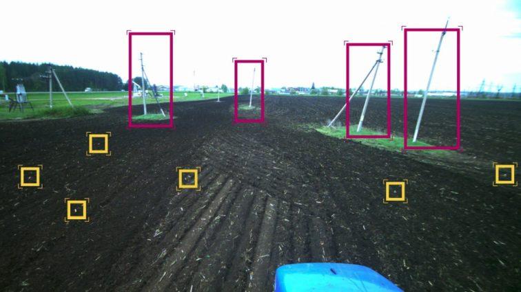 На полях Татарстана работает прототип беспилотного трактора