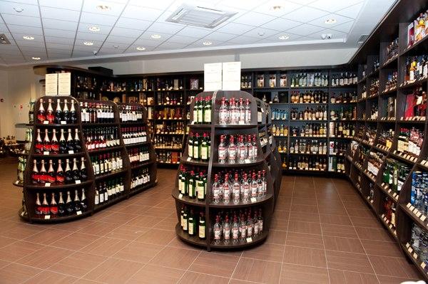 Алкогольный бизнес: как столичные магнаты выводят средства в оффшоры