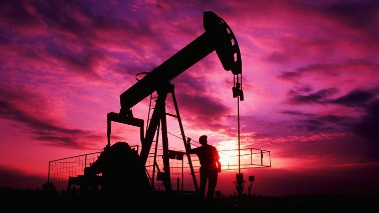 У нефти будет горячее лето и холодная осень