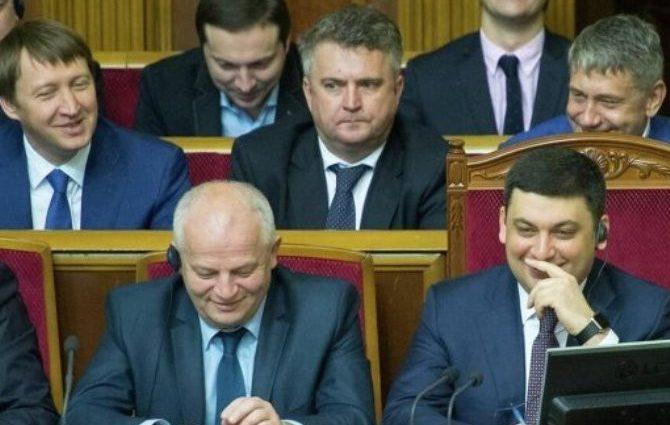 Кабмин принял план мероприятий по погашению задолженности по заработной плате