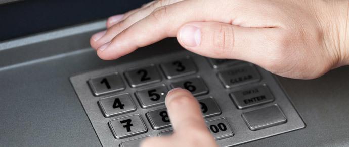 Смарт-часы могут передавать мошенникам PIN-коды от банковских карт
