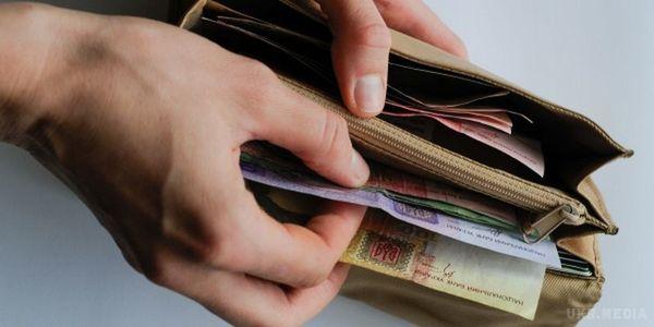 Украинские банки согласились возвращать клиентам украденные с карт деньги