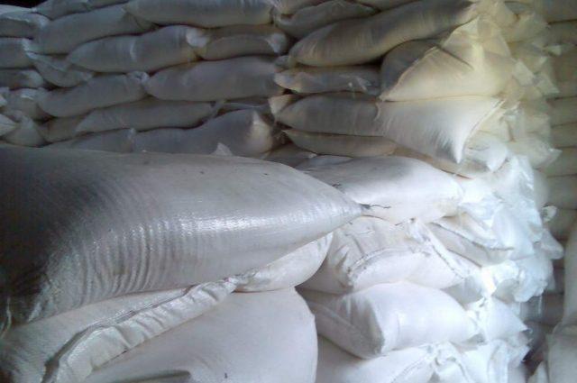 Сахар дешевеет под давлением низкого спроса