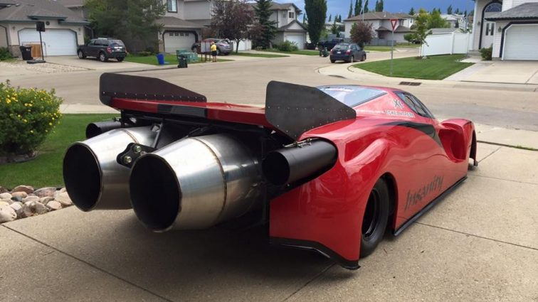 Изобретатель установил реактивные двигатели на копию Ferrari (фото)