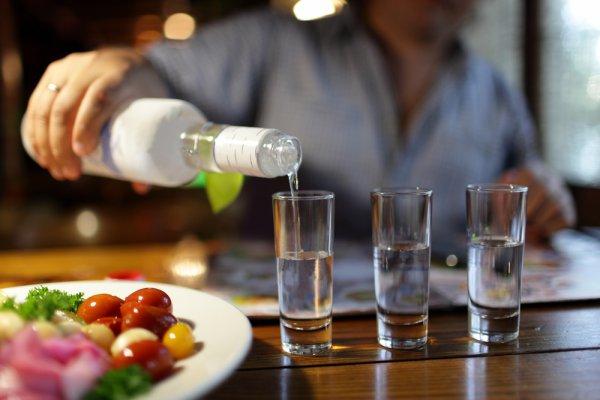 Суд отменил минимальные цены на водку