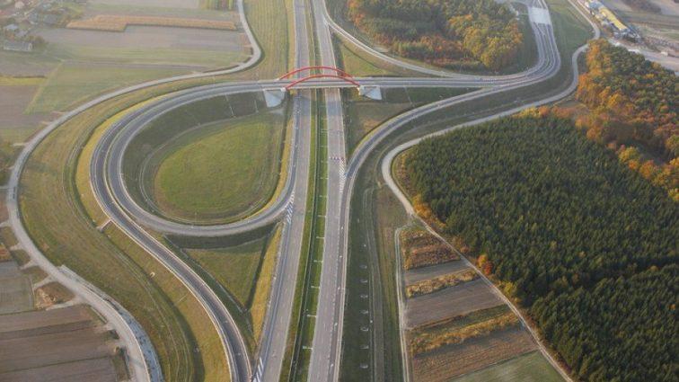 Польша завершила строительство магистрали от Украины до Германии