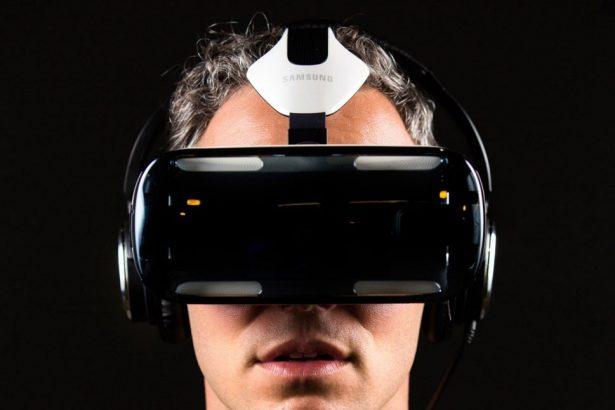 У Samsung появится новый шлем виртуальной реальности