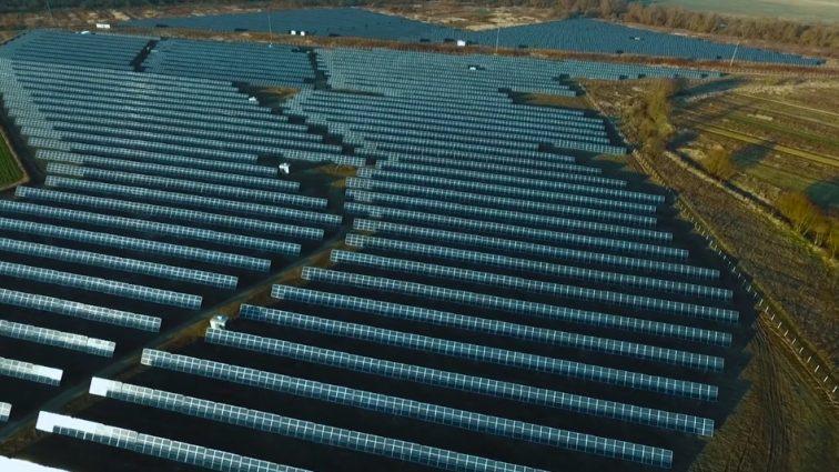 На территории Чернобыльской зоны построили крупнейшую солнечную электростанцию