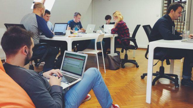Назвали среднюю зарплату программистов в Украине