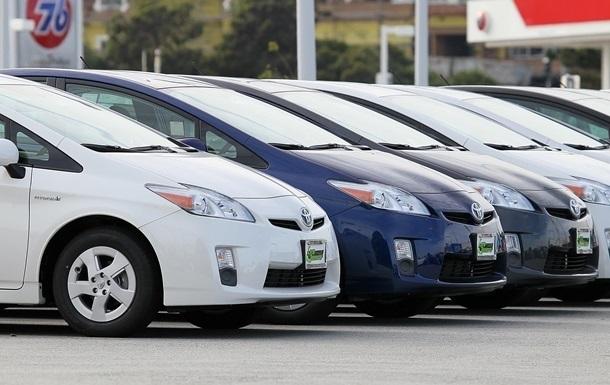 Импорт авто в Украину вырос почти на 60%