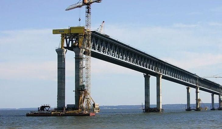 Российские строители Керченского моста уже два месяца сидят без зарплат