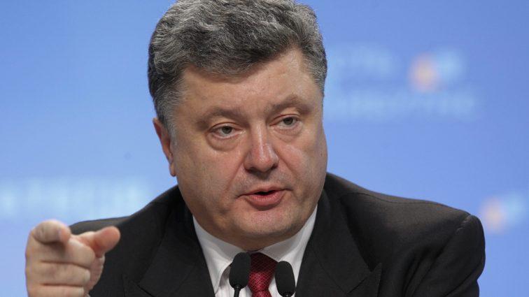 Порошенко назвал дату запуска е-декларирования в Украине