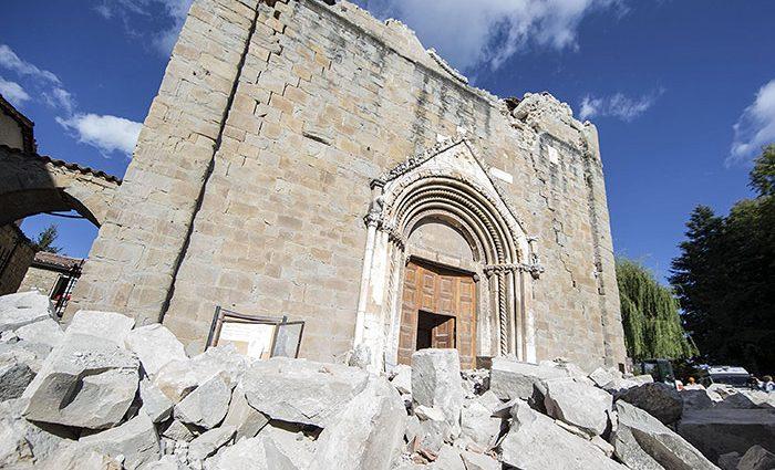 Экономический ущерб от землетрясения в Италии превысил $1 миллиард ( видео)