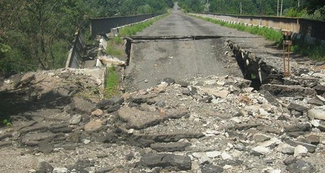 7 млн. грн. — цена ремонта дорог в Донецкой и Луганской областях