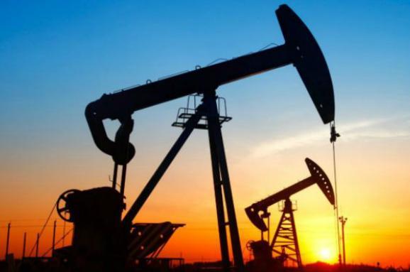 Цена на нефть: Brent растет, WTI падает