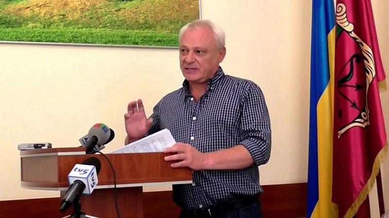 Скандал: в Запорожье уволили главного врача из — за того, что он не хотел »отмывать» бюджетные деньги