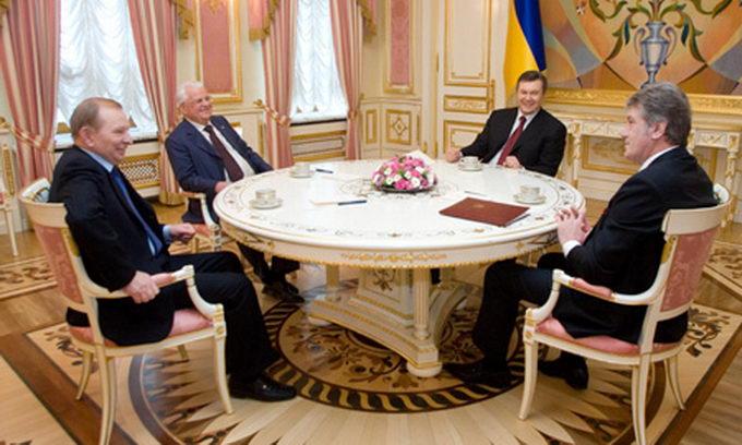 Как менялась зарплата украинских президентов за 25 лет
