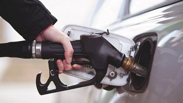 Эксперт предупредил, что через несколько недель подорожает бензин
