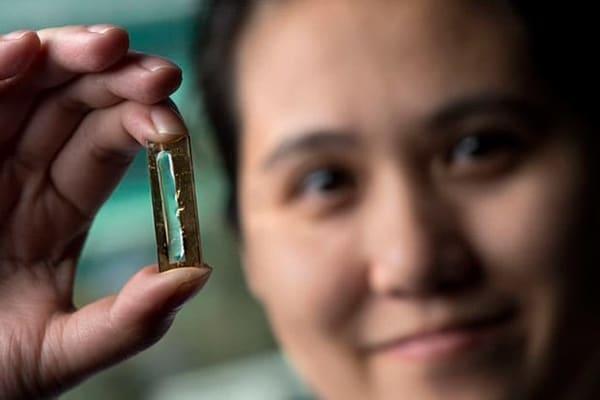 Ученые случайно создали батарею, которая будет держатся 400 лет
