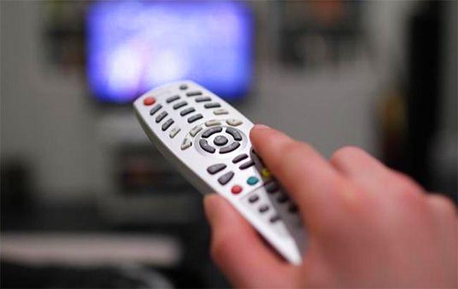 Держим руку на пульте: популярные телеканалы требуют денег за свой эфир