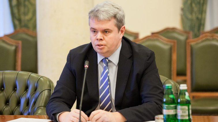 На счетах заместителя председателя НБУ 50 тыс. долларов и 1,8 млн. гривен
