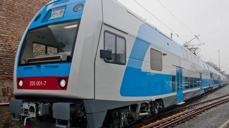 Глава Укрзализницы обещает «вывести из кустов» електропоезд «Skoda»