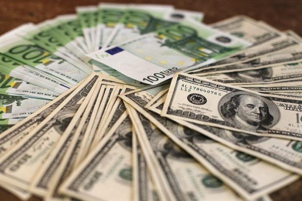 Курс валют: евро сильно подешевел в обменниках