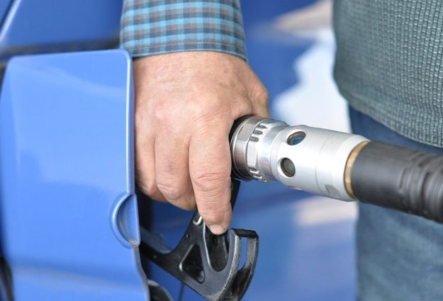 Водителей, которые ездят на газу обложат еще одним драконовским налогом