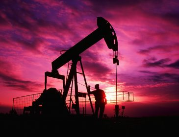 Цена нефти превысила $50 за баррель