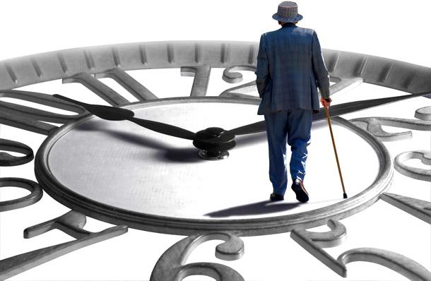 В Кабмине успокаивают: повышение пенсионного возраста пока невозможно