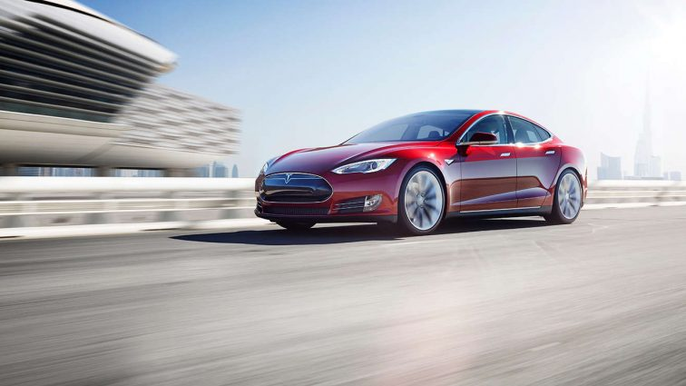Tesla начала выпуск полностью автономных автомобилей