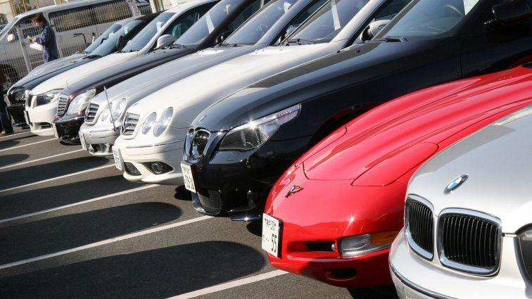 Украинцы активно скупают автомобили для бизнеса