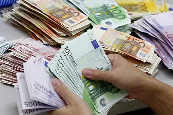 Курс евро взлетает на межбанке
