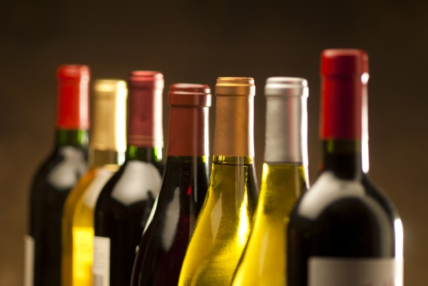 Кабмин поднял цены на алкоголь