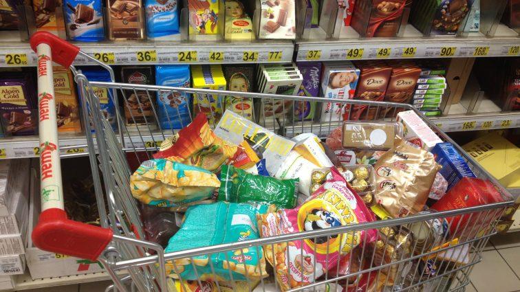Кабмин разрешил украинцам есть больше мяса и носить шесть трусов в год