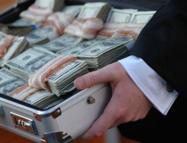 Генеральная прокуратура проверит уплату налогов народными депутатами, которые задекларировали свыше 100 000 долларов наличными