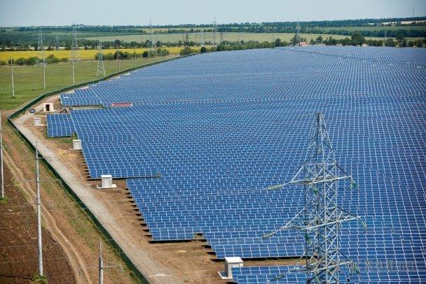 Китайская CNBM заявляет о владении десятью крупнейшими солнечными станциями в Украине