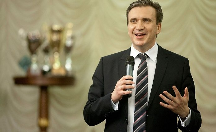 Украина небогатая страна, но в ней очень много денег