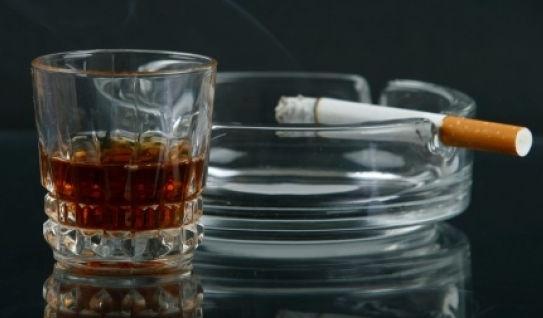 Сигареты и алкоголь сильно подорожают
