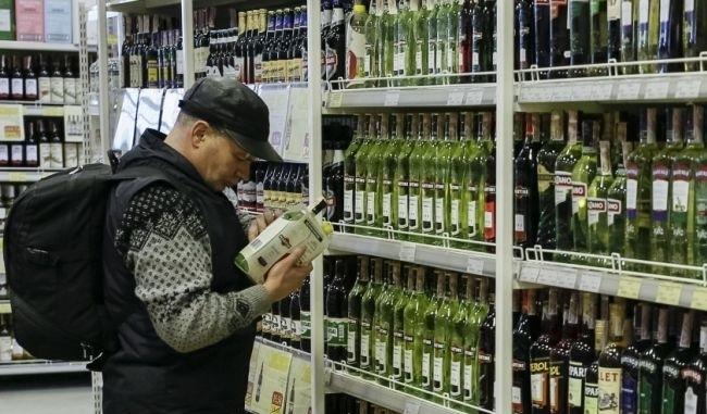 Украину наводнит нелегальный алкоголь