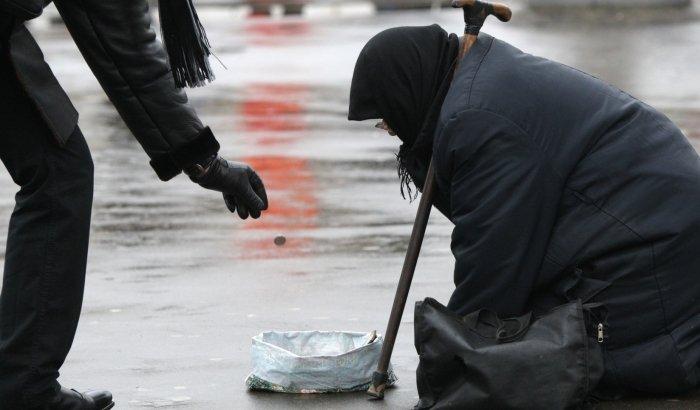 Падение реальных доходов населения в России ускорился почти вдвое