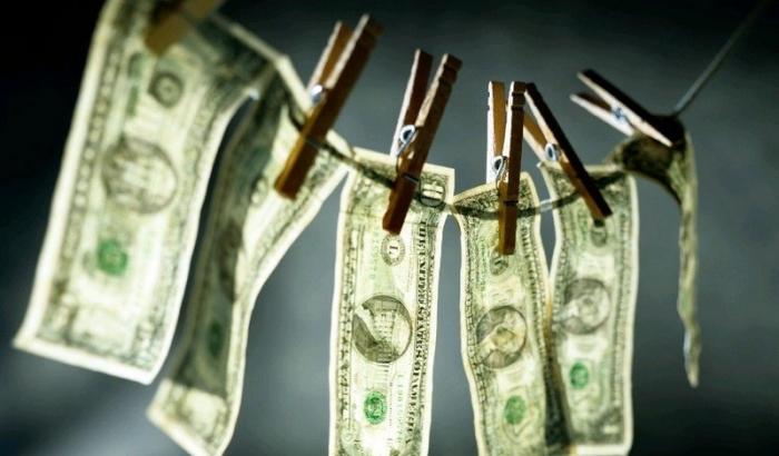 «Государство лезет к нам в карман!»: доходы и расходы всех без исключения украинцев будут тщательно проверять, люди возмущены!
