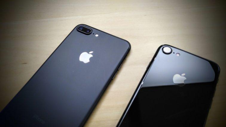 Это просто невероятно! Этот iPhone 7 работает после 13 часов в замерзшем озере