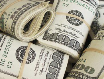 Эксперт объяснил, почему так стремительно растет доллар США