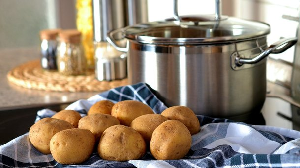 Спрос повышаеться — цены поднимаются: в Украине резко подорожала картошка